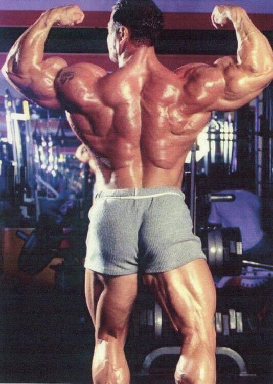 Eddie Moyzan Rückenpose