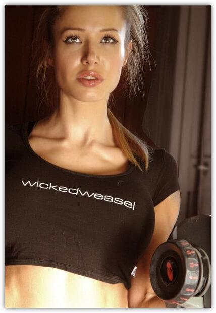 Nina Eckert Model