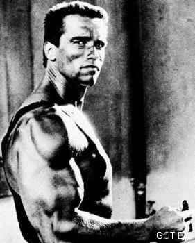 "Arnold Schwarzenegger im Film ""Phantom Kommando"""