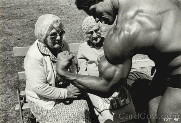 Arnold Schwarzegger wie er es liebt :-)