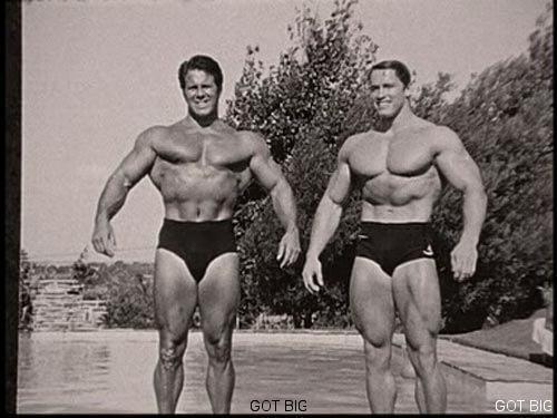 Arnold mit seinem Vorbild Reg Park