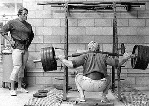 Arnold beim Beintraining
