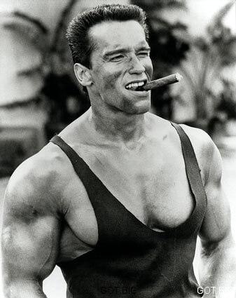 "Schwarzenegger im Film ""Phantom Kommando"""