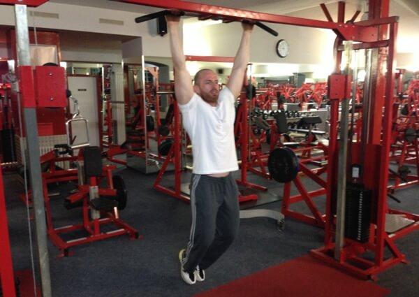 Anheben der Beine hängend - Ausgangsposition