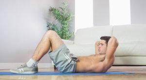 sit-ups fehler nacken